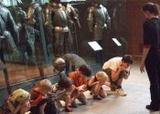 Enfants au Musée de l'Armée