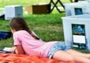 Un brin de lecture, lecture en plein air